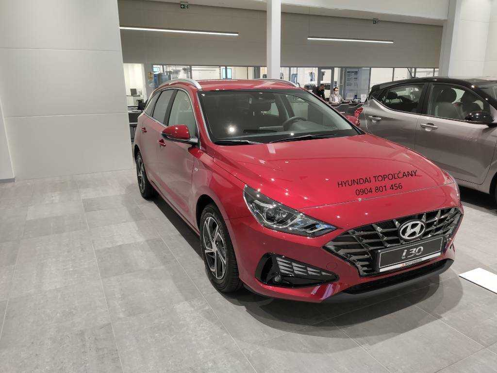 Hyundai i30 CW 1.5 T-GDi mHEV iMT Family