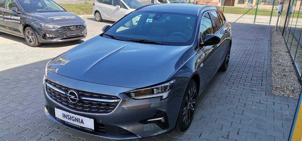 Opel Insignia kombi Ultimate Sports Tourer 2.0 turbo benzin