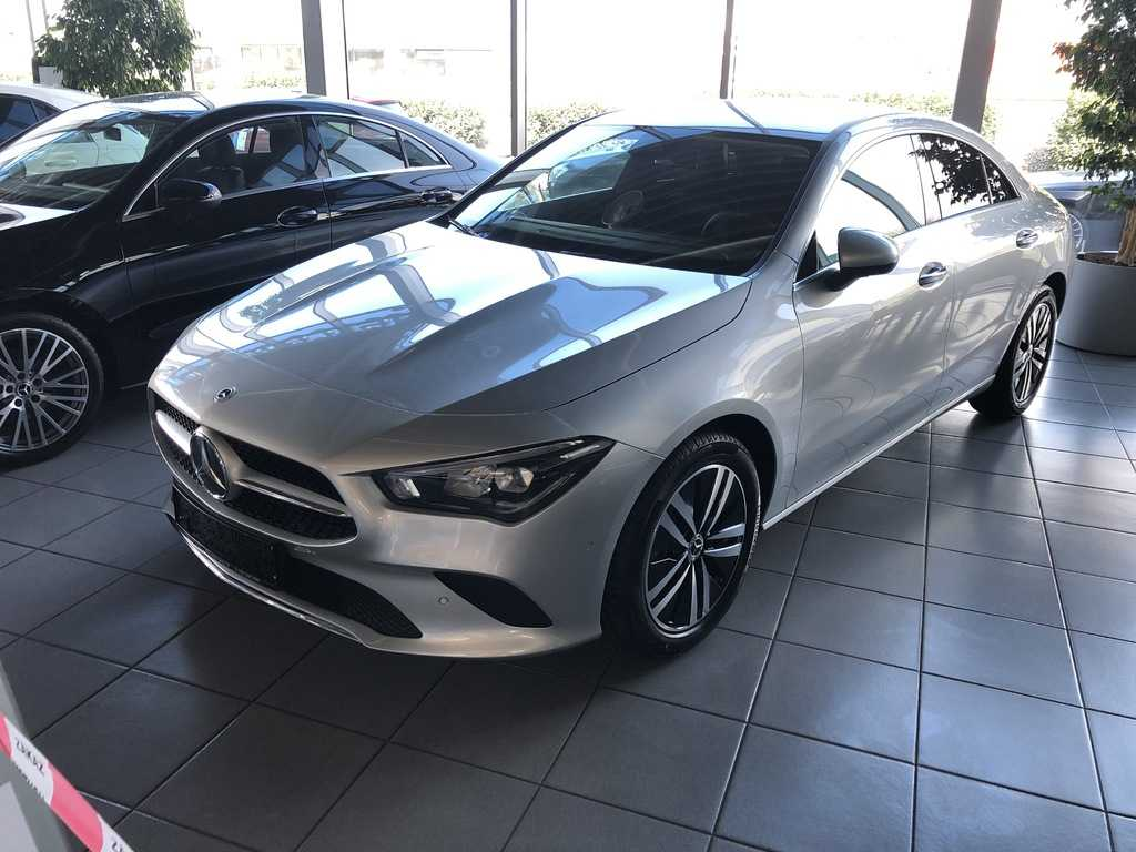 Mercedes-Benz CLA 180 kupé